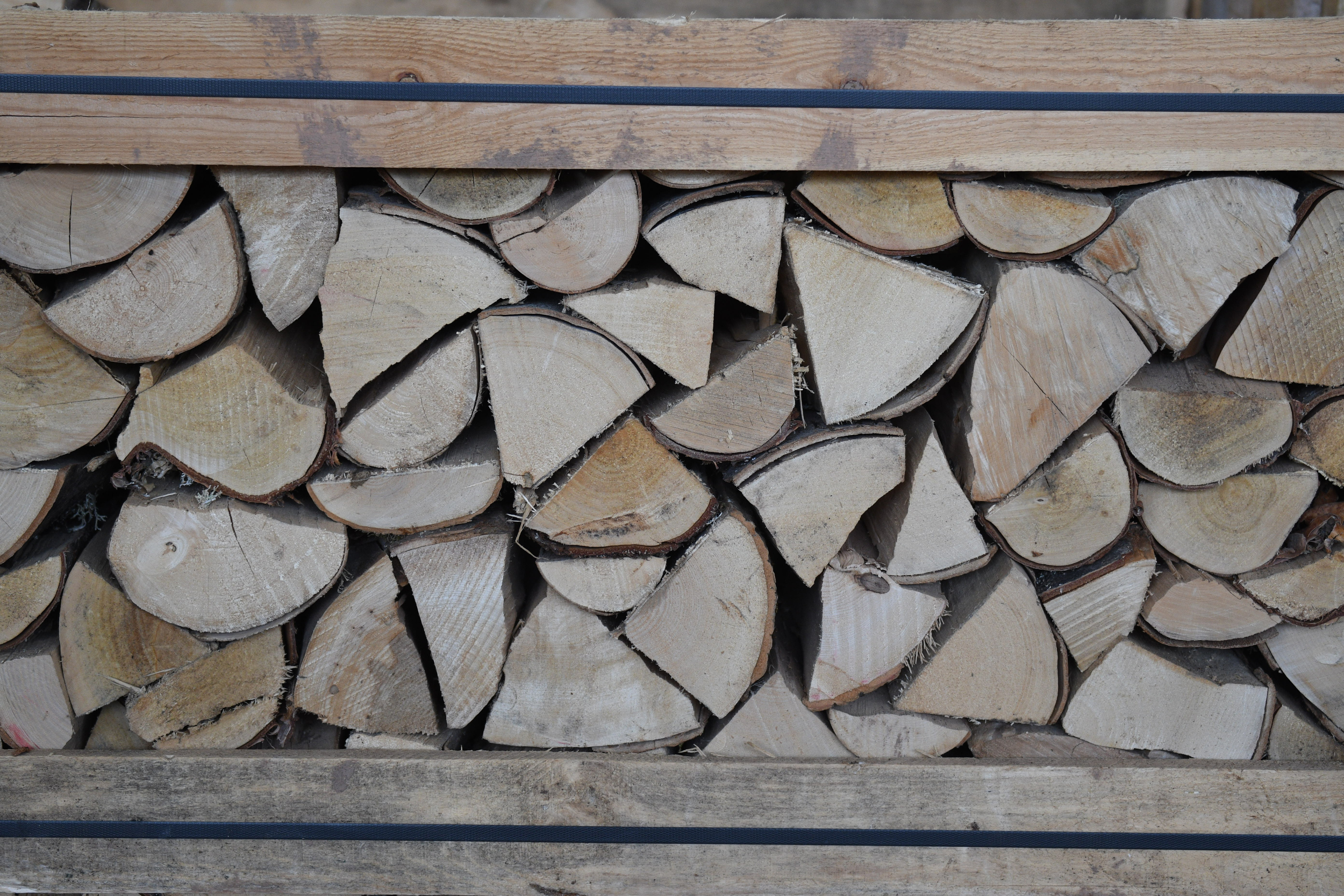 How to store firewood